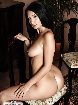 MC-Nudes  Kat  Ass, Babes, Boobs, Breasts, Tits, Erotic, Softcore, Amazing, Squeeze, Solo